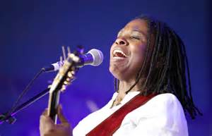 Ruthie Foster singing